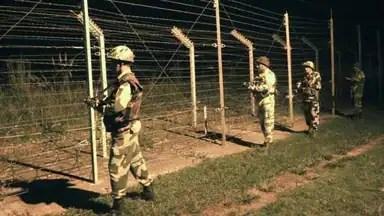 भारत की बड़ी कार्रवाई, LOC पार आतंकी कैंपों पर गिराए 1000 किलो का बम