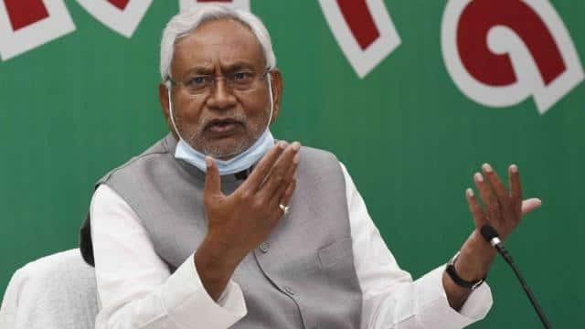Nitish made the gesture, like Karpoori Thakur I can be saved from the CM post in the middle of the word