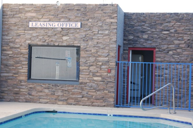 72 Unit Apartment Building Offered At 8 820 000 A 5 69 Cap Rate In Phoenix Az