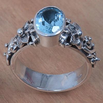 oval cut blue topaz