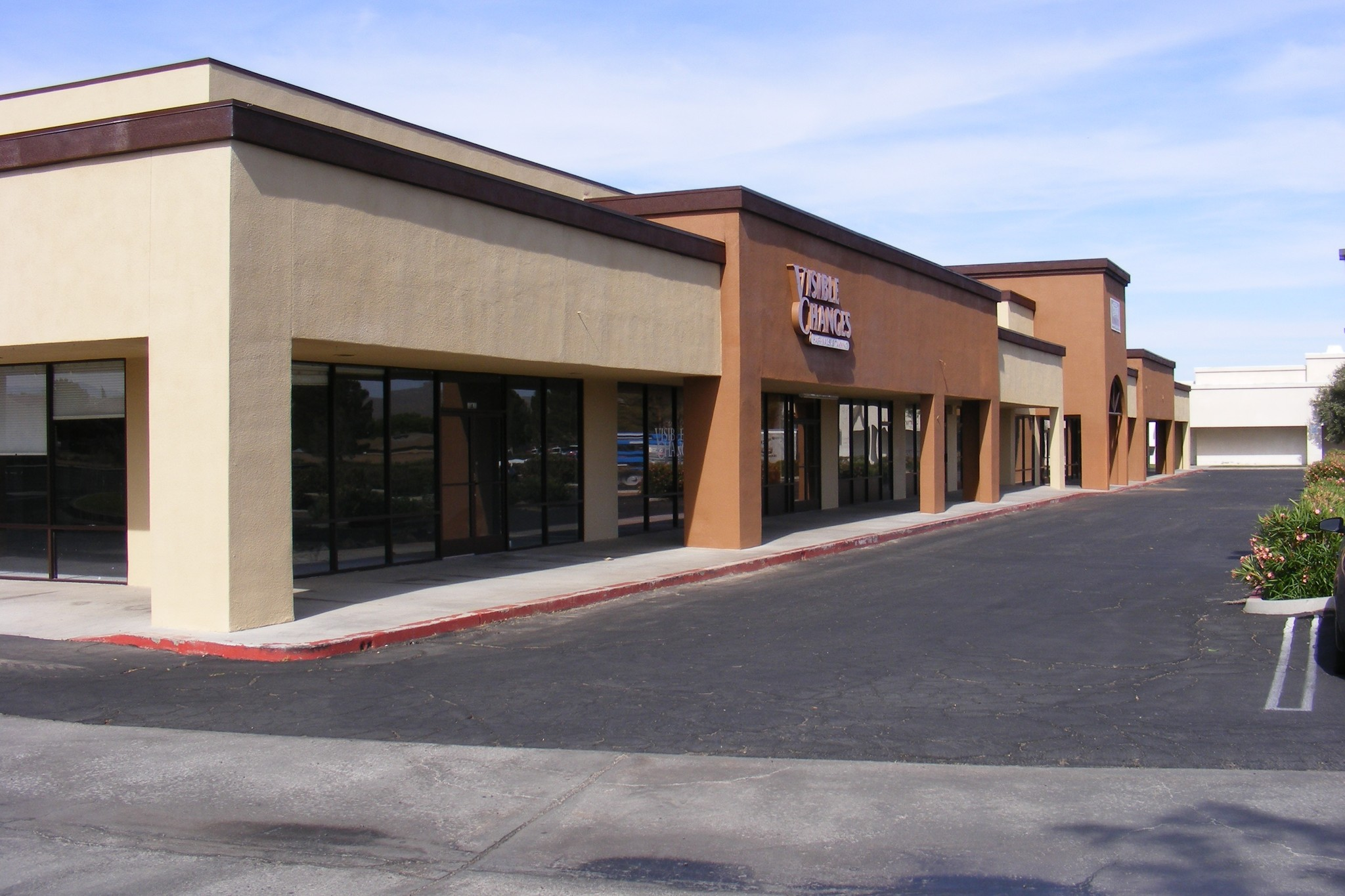showcase commercial real estate for lease and for sale