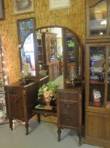 Vanity And Dresser Set