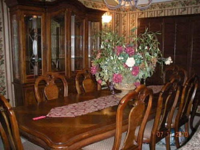 5100 Thomasville British Gentry Dining Room For Sale In