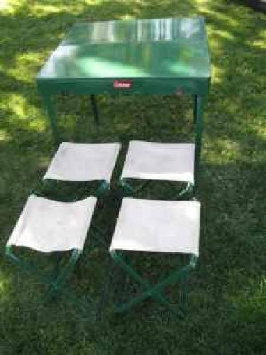 VINTAGE COLEMAN FOLDING CAMPING TABLE  4 STOOLS 14000