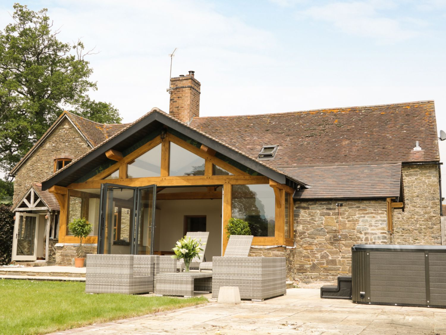 The Old Farmhouse Westhope Self Catering Holiday Cottage