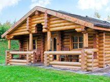 Cedar Log Cabin, Brynallt Country Park   Welsh Frankton ...