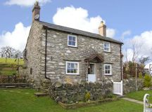 Pen-y-fron | Llanrwst | Self Catering Holiday Cottage