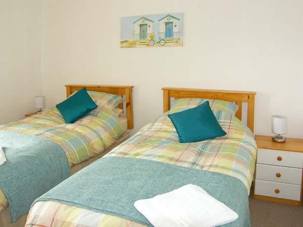 bedroom beach cottage llanelli