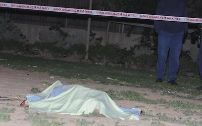 """גופת גדי ויכמן ז""""ל. ירד לבקש שקט בליל שבת (צילום: הרצל יוסף, YNET)"""