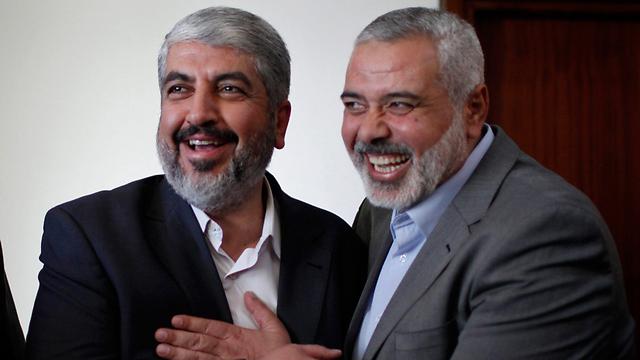 Ismail Haniyeh, a la derecha, con el líder político de Hamas, Khaled Mashal (Foto: Reuters)
