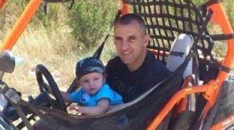 Jaddan and his son (Photo: Sahar Ali)