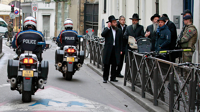 Police patrol outside of a synagogue in France last month, following an anti-Semitic attack (Photo: AP)