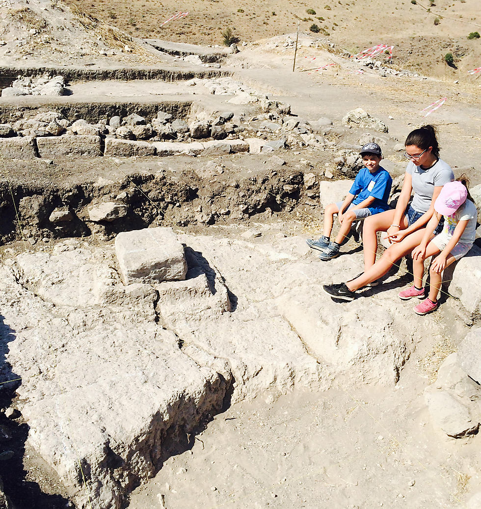 Remains dated back to the 1st century inside the synagogue discovered at Tel Reches (Photo: Dr. Motti Aviam)