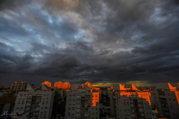 Холон перед бурей, архив. Фото: О. Мошик