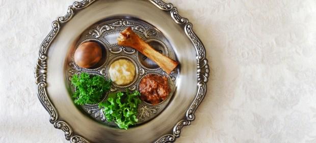 Пасхальное блюдо для Седера. Фото: shutterstock