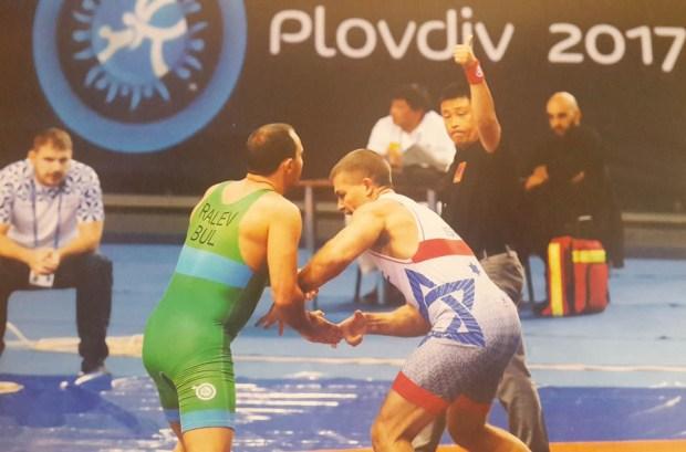 В борьбе за медаль. Фото: пресс-служба полиции