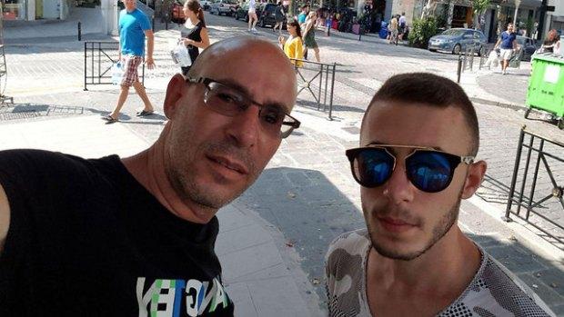 Ашер Альмалиах с сыном