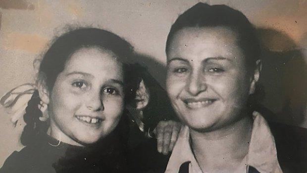Ева с мамой Фелицией