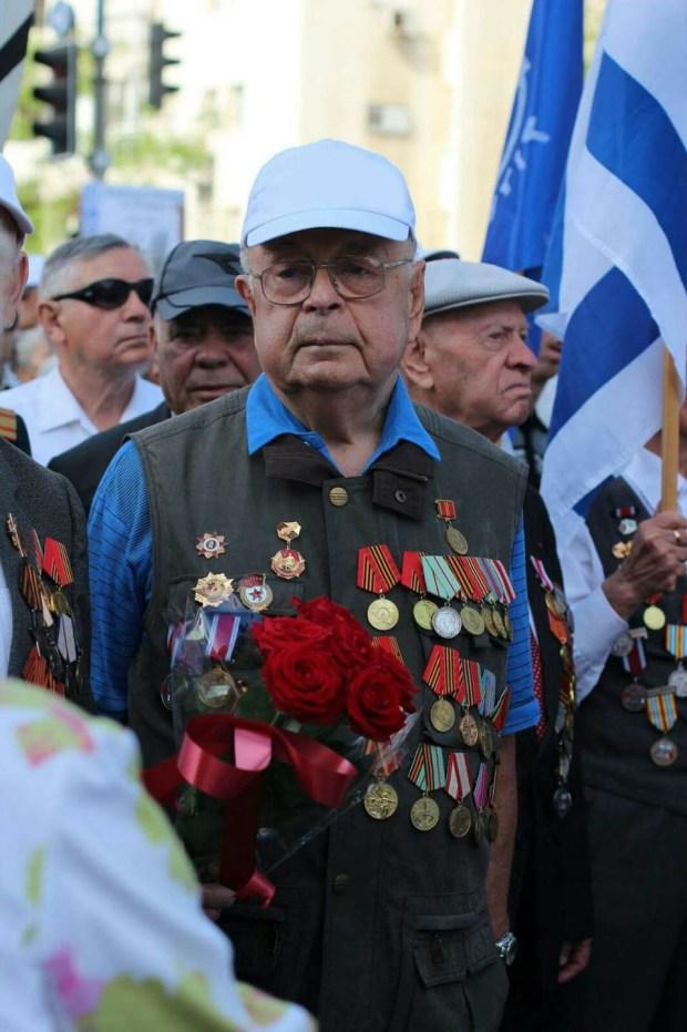Зиновий Борисович на Параде Победы в Израиле. Фото: семейный архив