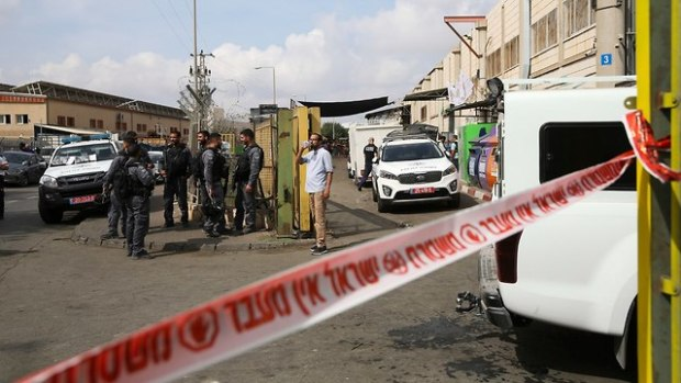 После теракта в Баркане. Фото: AP (Photo: AP)