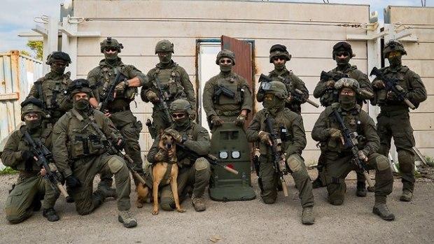 Рембо и его команда. Фото: пресс-служба полиции