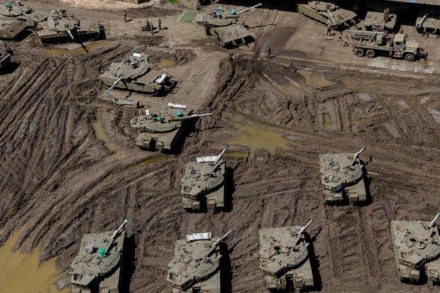 Бронетехника на севере Израиля. Фото: Исраэль Бардуго