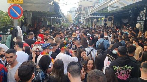 מסיבה בשוק הפשפשים
