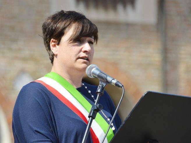 Caso mense la sindaca di Lodi Sara Casanova Non sono