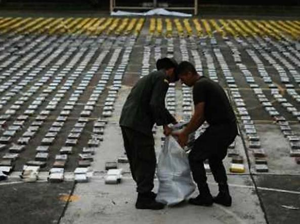 Nel 1994 l'inchiesta portò a maxi sequestri di cocaina anche su una flotta navale gestita da Locatelli