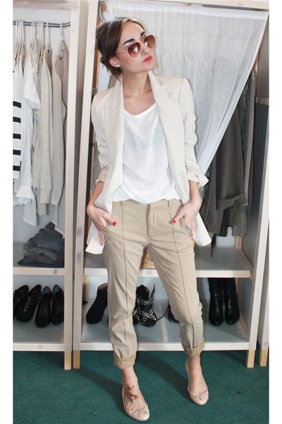 Zara-blazer-zara-pants-zara-shoes-h-m-top_400