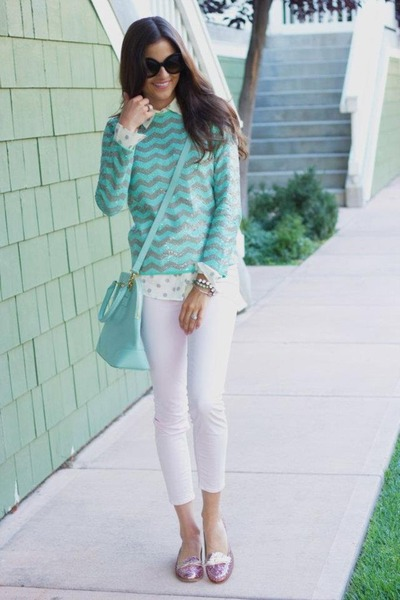 Aquamarine-stripes-sweater-ivory-polka-dots-shirt-aquamarine-bag_400
