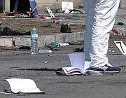 Quaderni e zaini rimasti a terra (Brindisi Reporter)