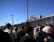 Proteste dei lavoratori  vicino ad Atene (Afp)
