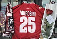 La maglia di Piermario Morosini (Ansa)