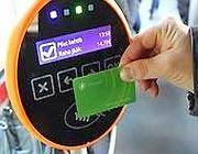 Tallin, la tessera magnetica per l'utilizzo gratuito dei mezzi
