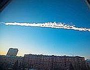 L'asteroide solca il cielo