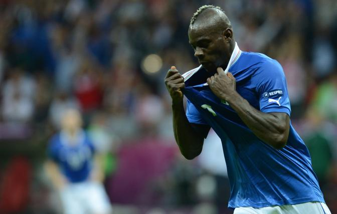 L'esultanza di Balotelli dopo il secondo gol  (AFP PHOTO / CHRISTOF STACHE)
