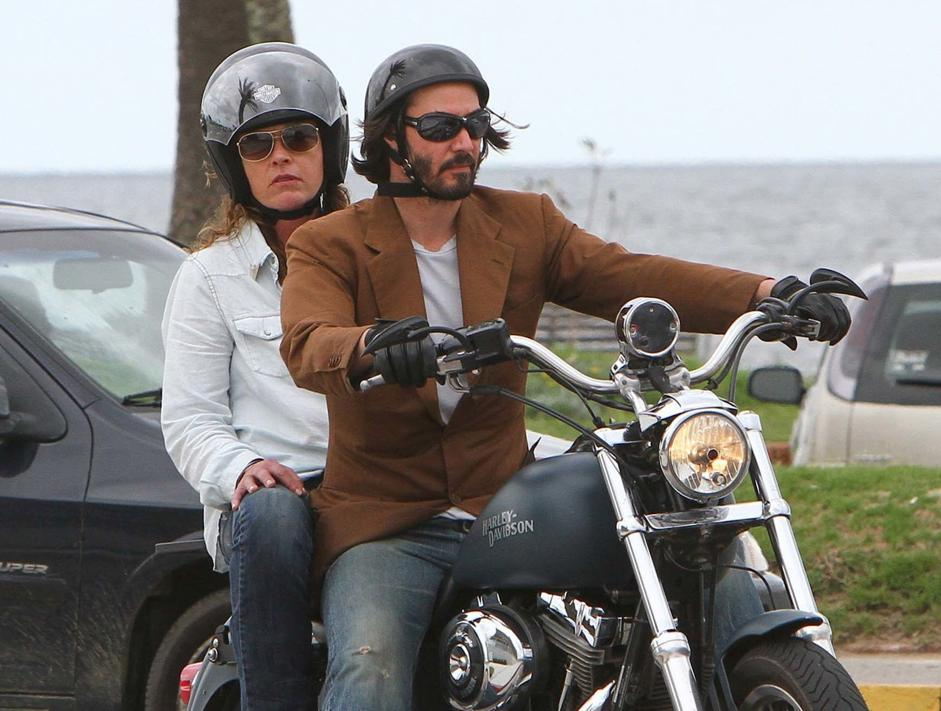 Montevideo Keanu Reeves a spasso sulla Harley