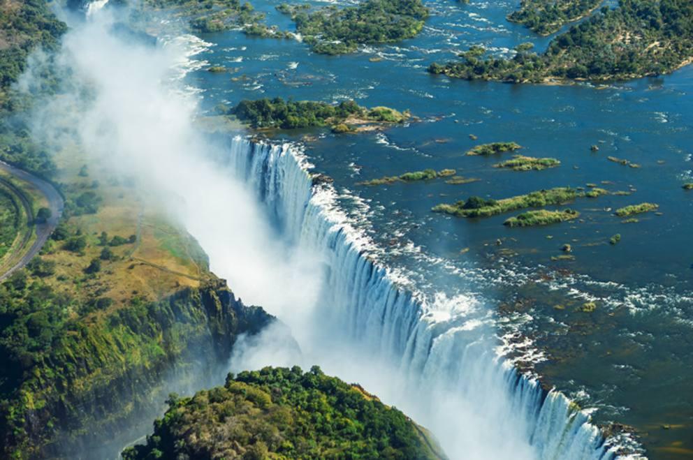 Le 15 cascate dacqua pi incredibili del mondo  Corriereit