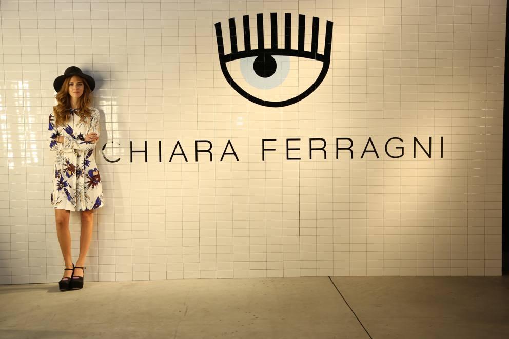Chiara Ferragni locchio azzurro come logo  Corriereit