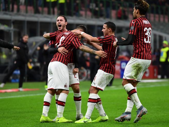 Milan Spal 1 0 Decide Suso Pioli Trova La Prima Vittoria
