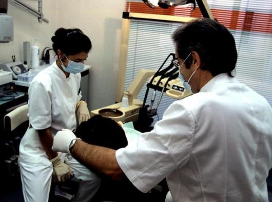 Dentisti, in Italia non si rispettano le regole. Ecco perché c'è un  caso Dentix