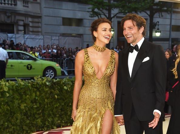 Irina Shayk and Bradley Cooper in 2018 (Getty)
