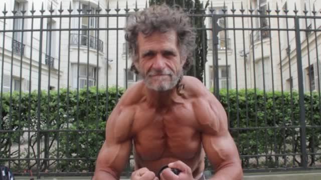 Jacques il clochard dai muscoli dacciaio  Corriere TV