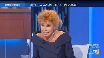 Ornella Vanoni: «A Draghi dedicherei 'Domani è un altro giorno'» e canta in diretta tv