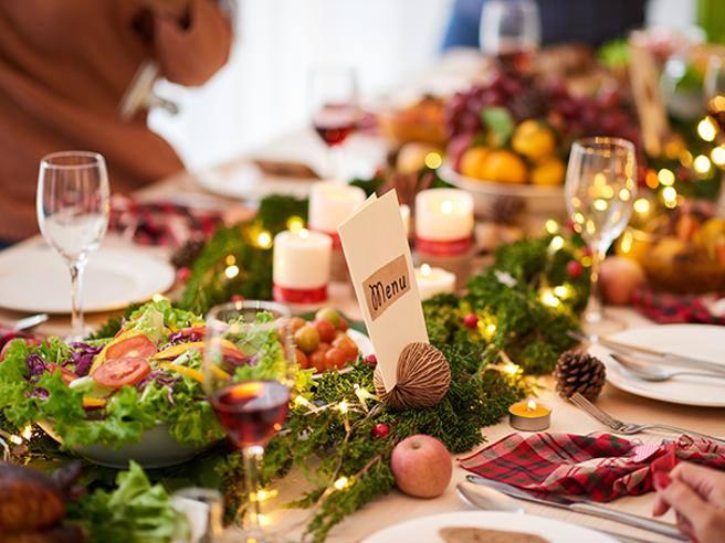 Trascorri una serata romantica e scopri il fascino di una cena a lume di. Nuovo Dpcm Dicembre Pranzi E Cene A Natale E Capodanno Regole Corriere It