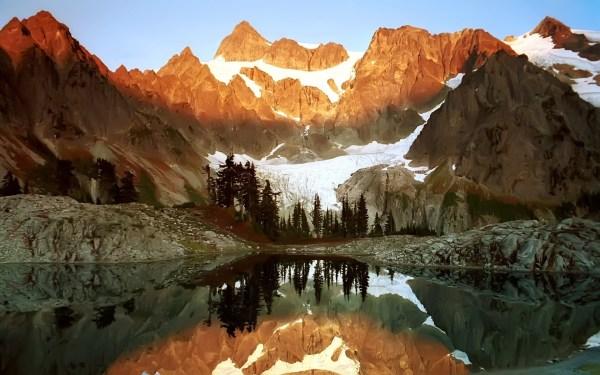 Mountains 2048