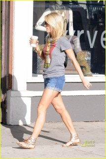 Carrie In Beverly Hills - Underwood