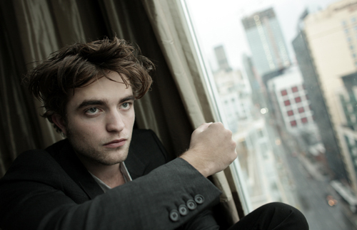 https://i0.wp.com/images2.fanpop.com/images/photos/2800000/Robert-Pattinson-twilight-series-2881743-500-323.jpg
