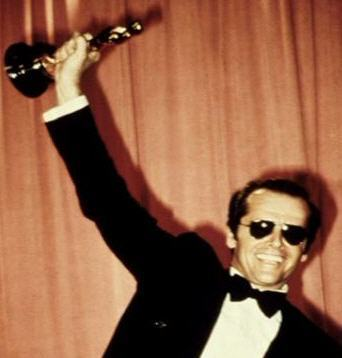 https://i0.wp.com/images2.fanpop.com/images/photos/4800000/Jack-with-an-Oscar-mr-jack-nicholson-4839611-342-358.jpg